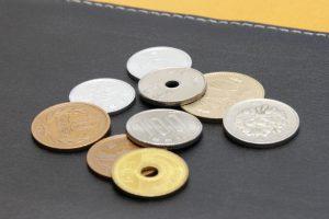 5円玉と50円玉